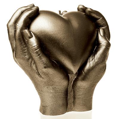 Candellana - Heart in Hands, świeca dekoracyjna mosiężna