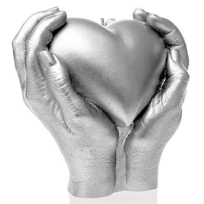 Candellana - Heart in Hands, świeca dekoracyjna srebrna